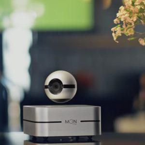 Moon, la smart camera volante che controlla tutta la casa