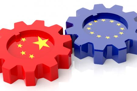 Le Borse cinesi vacillano, petrolio ed euro su, economia ok