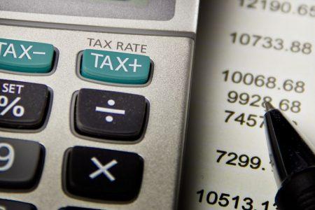 Tasse: carico fiscale e contributivo in diminuzione in Italia