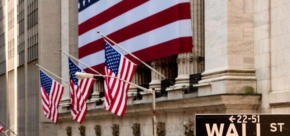 S&P 500 record a Wall Street, Milano corre con banche e assicurazioni