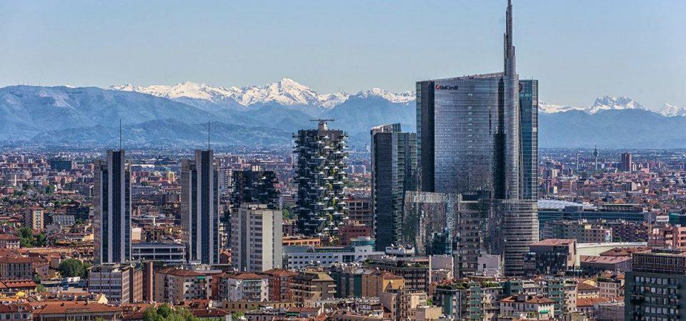 Smart city: Milano sempre prima ma sull'ambiente fa peggio di Roma