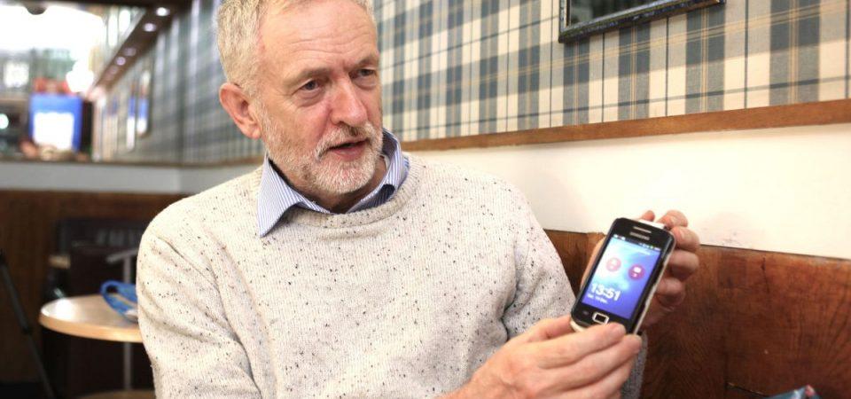 Elezioni Uk, il trucco di Tinder per aiutare Corbyn a rimontare