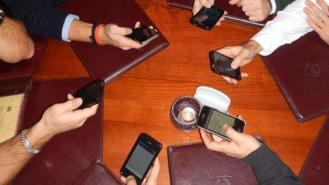 Aggiornamenti Samsung e Apple, maxi-sanzioni Antitrust