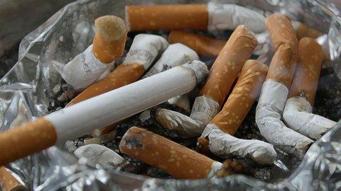 Sigarette, Governo dice no a tassa per finanziare fondo anti-cancro