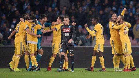 La Juve sbanca Napoli: è la vendetta di Higuain e un segnale per lo scudetto