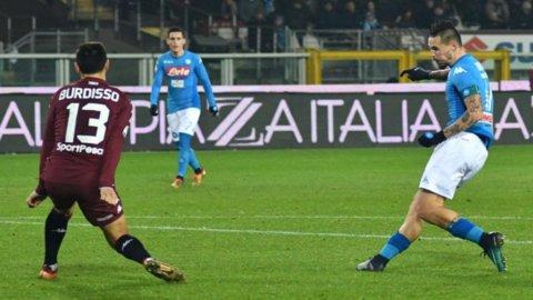L'Inter scivola in casa, il Napoli torna primo