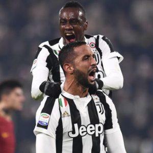 La Juve sbaraglia la Roma, il Napoli supera la Samp: lo scudetto è affar loro