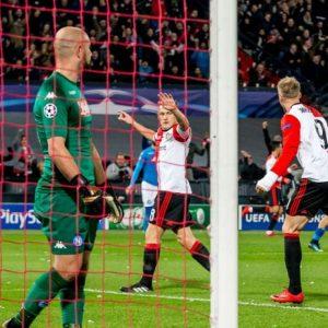 Champions, Napoli fuori: 1-2 col Feyenoord, il City non l'aiuta