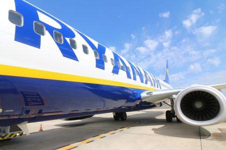 Ryanair: l'utile crolla del 29%, su ricavi e passeggeri