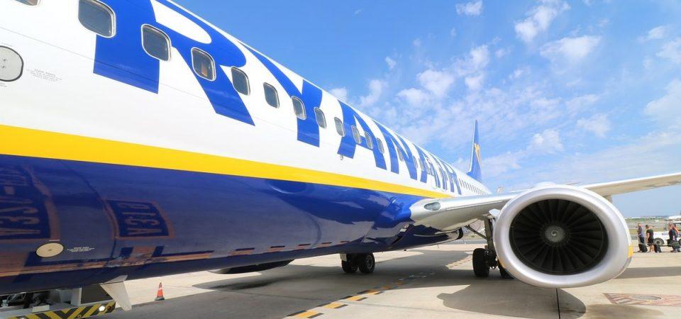 Ryanair trova l'accordo con i piloti irlandesi e il titolo vola