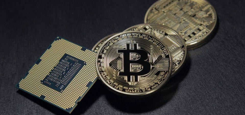 Bitcoin sotto quota 10mila dollari: -50% in un mese