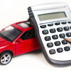 Assicurazione Rc auto: prezzi ai minimi secondo l'Ivass