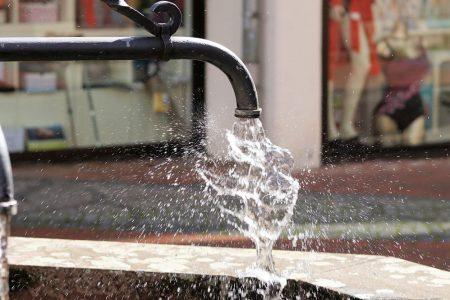 Acqua, in arrivo maxi-conguagli e proteste