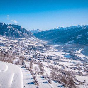 Meteo: Nord sotto la neve, sole e vento al Sud