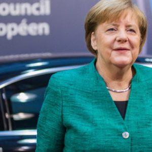 Germania, referendum Spd: via libera alla grande coalizione