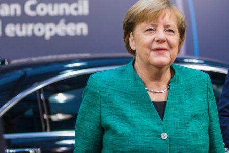 """Merkel e l'Europa: """"Non c'è posto per Salvini nel Ppe"""""""