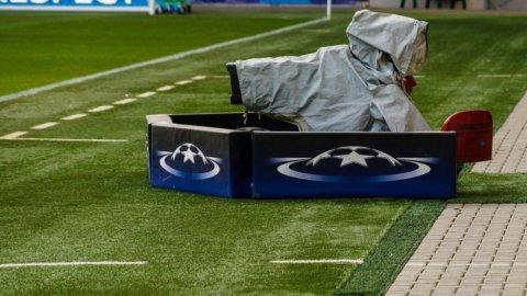 Calcio, caos diritti tv: bando da rifare e campionato a rischio