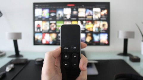 Tv, il lockdown fa esplodere lo streaming (+52%)