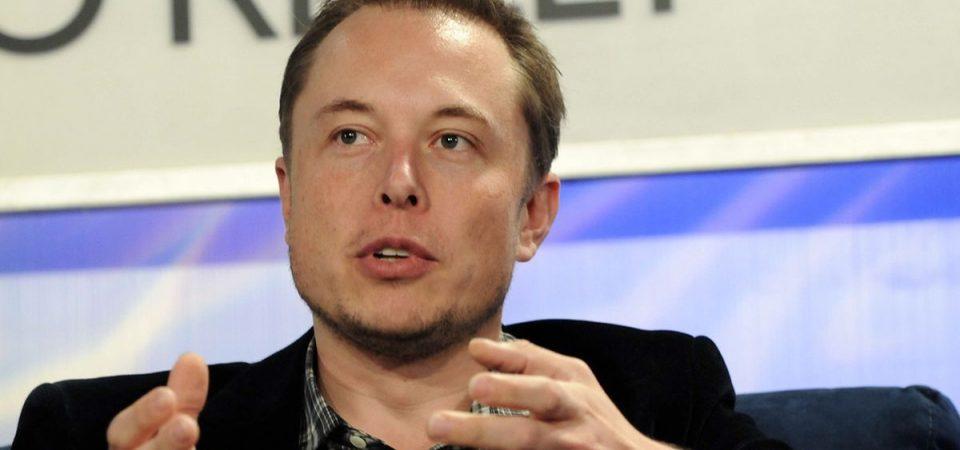 Tesla taglia 3.000 impieghi e ritira auto dalla Cina