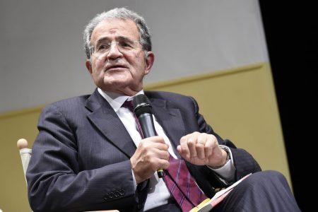 """Prodi sostiene il centrosinistra, incorona Gentiloni e vota """"Insieme"""""""
