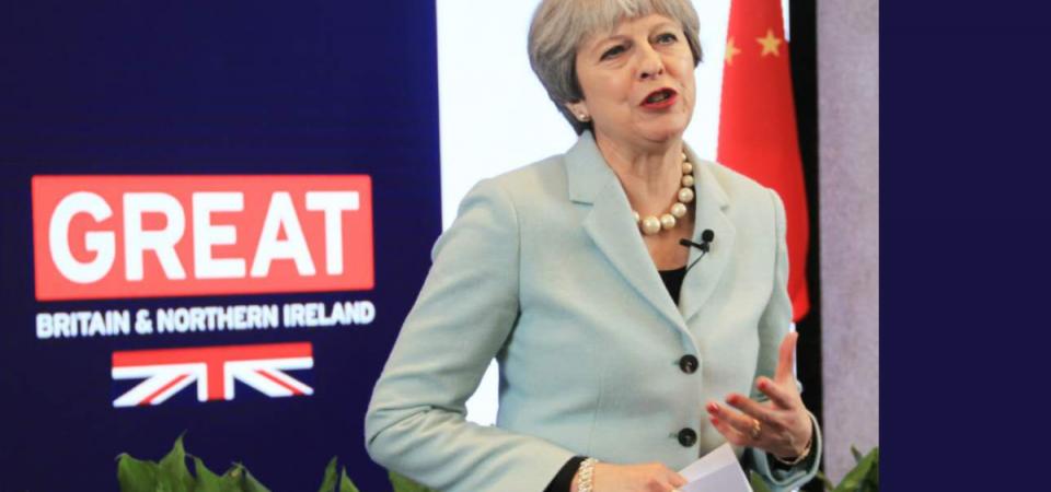 """Brexit, May ci ripensa: """"Meno tutele per i cittadini Ue"""""""