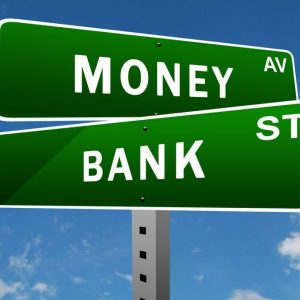 Borsa: Draghi e Cina spingono banche e auto. Atlantia Ko