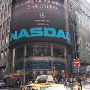 Banche, lusso e Fca danno slancio a Piazza Affari, Apple colpisce il Nasdaq
