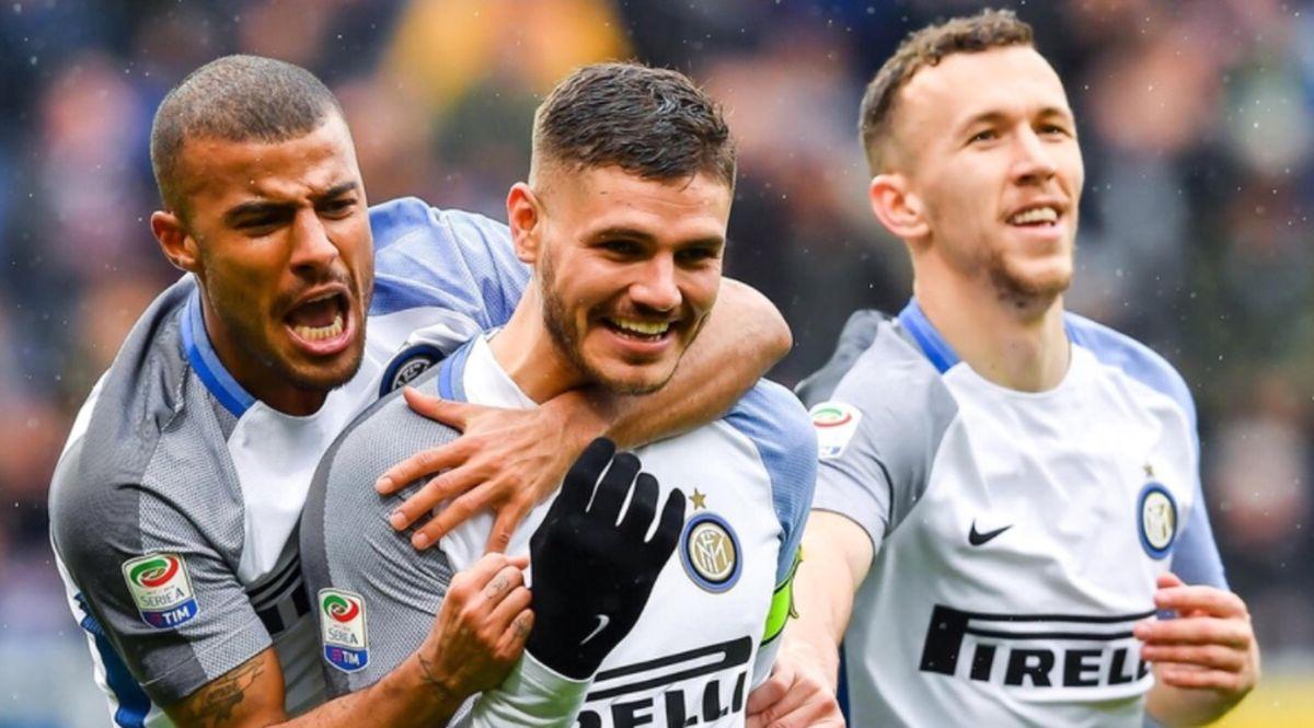 Icardi dell'Inter festeggia un gol