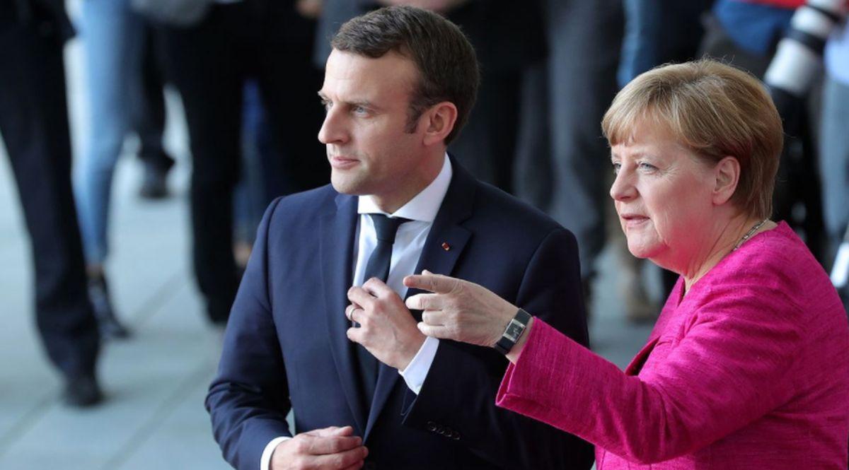 Il presidente francese Emmanuel Macron e la Cancelliera tedesca Angela Merkel