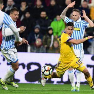 La Juve frena, assist per il Napoli: il campionato si riapre