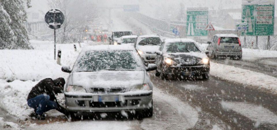 Meteo: neve, allerta su tutto il Nord
