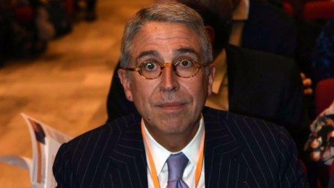 Tim: la Consob si muove, Vivendi attacca