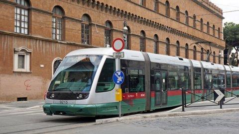 Trasporti, sciopero generale 8 marzo: disagi e caos in tutta Italia