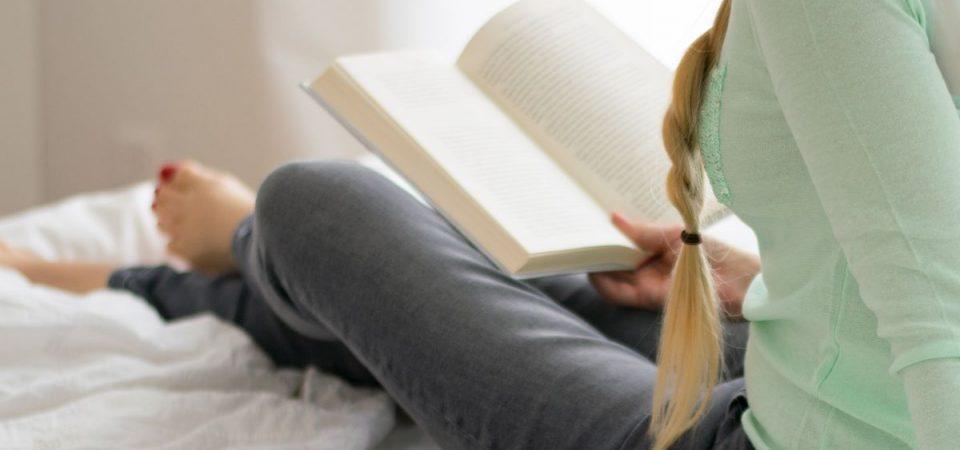 8 marzo e cultura: le donne leggono più degli uomini. E scrivono sempre di più