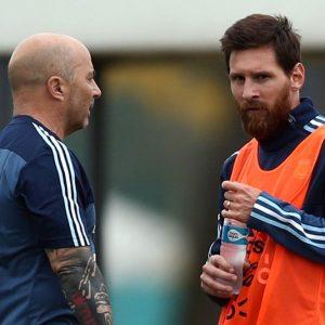 Argentina batte Italia (2-0) ma esplode il caso Dybala e Icardi