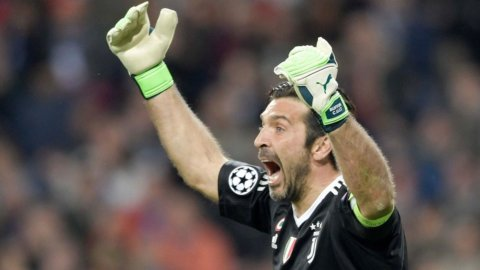 Buffon torna alla Juve, Dzeko è dell'Inter che vuole anche Lukaku