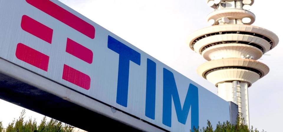 Tim corre in Borsa: contatti sulla rete con Open Fiber. Ok di Cdp