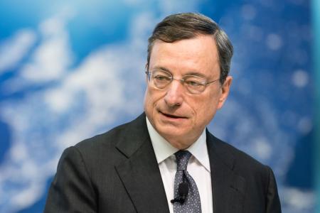 """Qe, Draghi: """"Rinnovo titoli anche dopo aumento tassi in estate"""""""