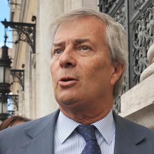 Vivendi monetizza Universal: ora tocca a Tim e a Mediaset