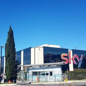 Sky: Comcast offre 22 miliardi di sterline e sfida Fox e Disney