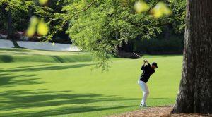 Jordan Spieth gioca a golf