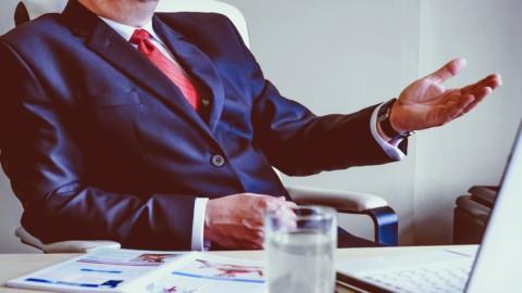 Licenziamenti, il blocco vale anche per i dirigenti