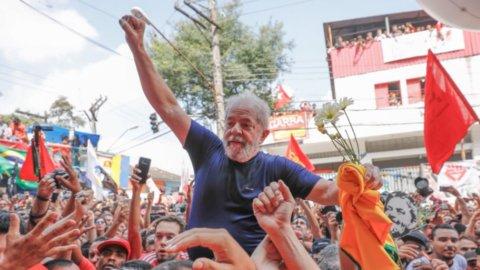 "Brasile, Lula si arrende: ""Non ho paura del carcere"""