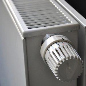 Riscaldamento al via: orari e caldaie, così si risparmia