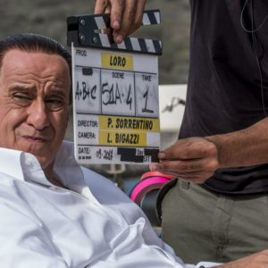 """Cinema, """"Loro"""" di Sorrentino: il film su Berlusconi al debutto"""