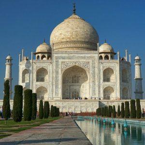 L'India vola ma il sorpasso della Cina resta un miraggio