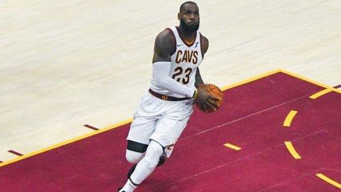 Finali Nba, Golden State-Cleveland: Warriors favoriti ma occhio a LeBron