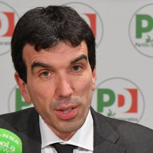 Assemblea Pd: dimissioni Renzi congelate, Martina solo reggente