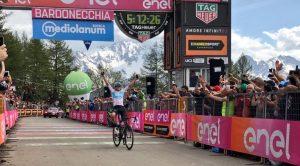 Chris Froome sul traguardo di Bardonecchia al Giro