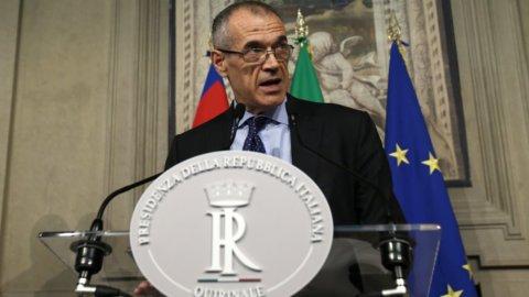 """Mattarella incarica Cottarelli: """"Fiducia o voto a settembre"""""""